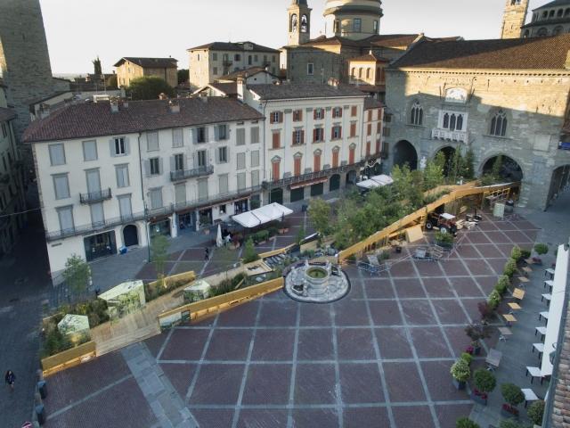 02 Piazza Vecchia