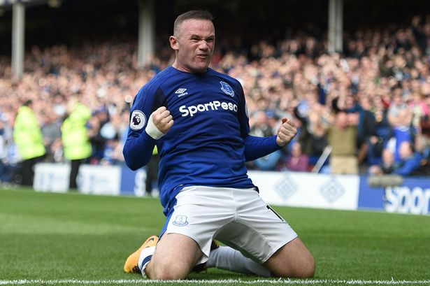 Evertons English striker Wayne Rooney