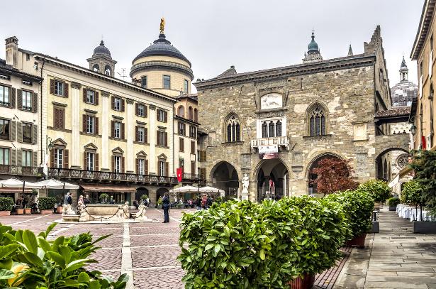 bergamo piazza vecchia 3