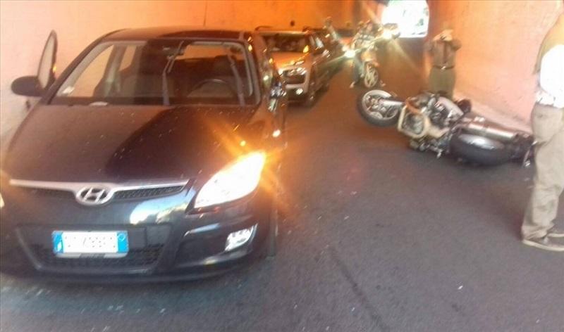 incidente moto galleria