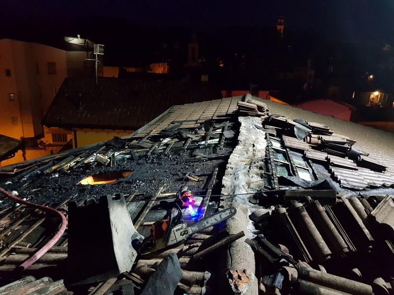 incendio tetto castione della presolana