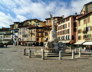 Lovere Piazza XIII Martiri