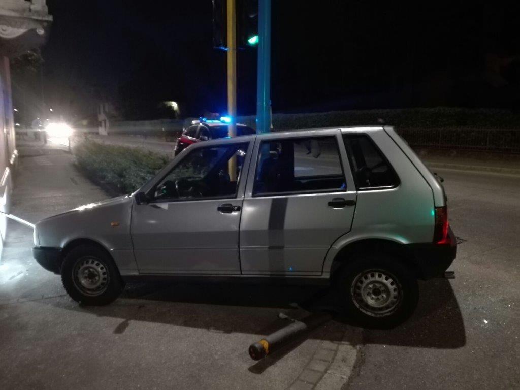 auto rubata inseguimento