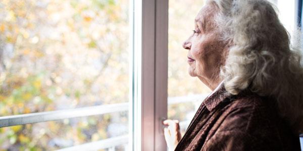 solitudine anziano