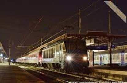 LAdro notturno treno