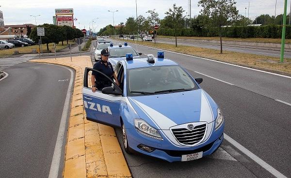 polizia di stato auto