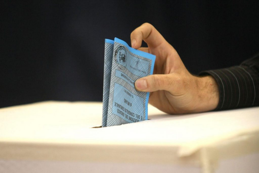 referendum appennino in garfagnana urna