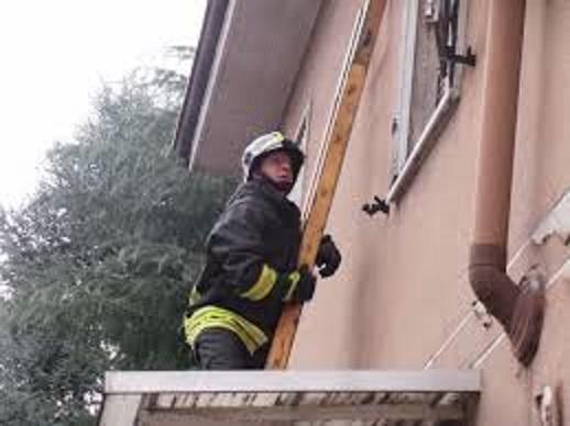 Vigili del fuoco scala