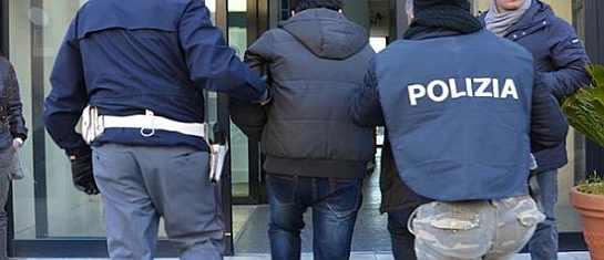arresto polizia squadra mobile