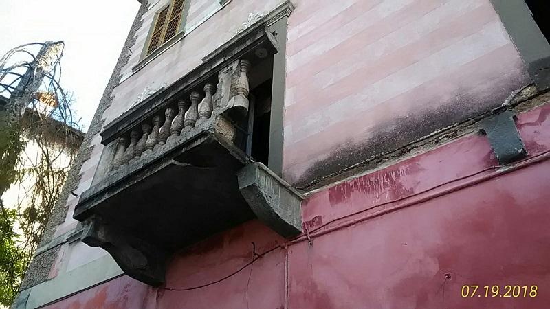 crollo balcone leffe