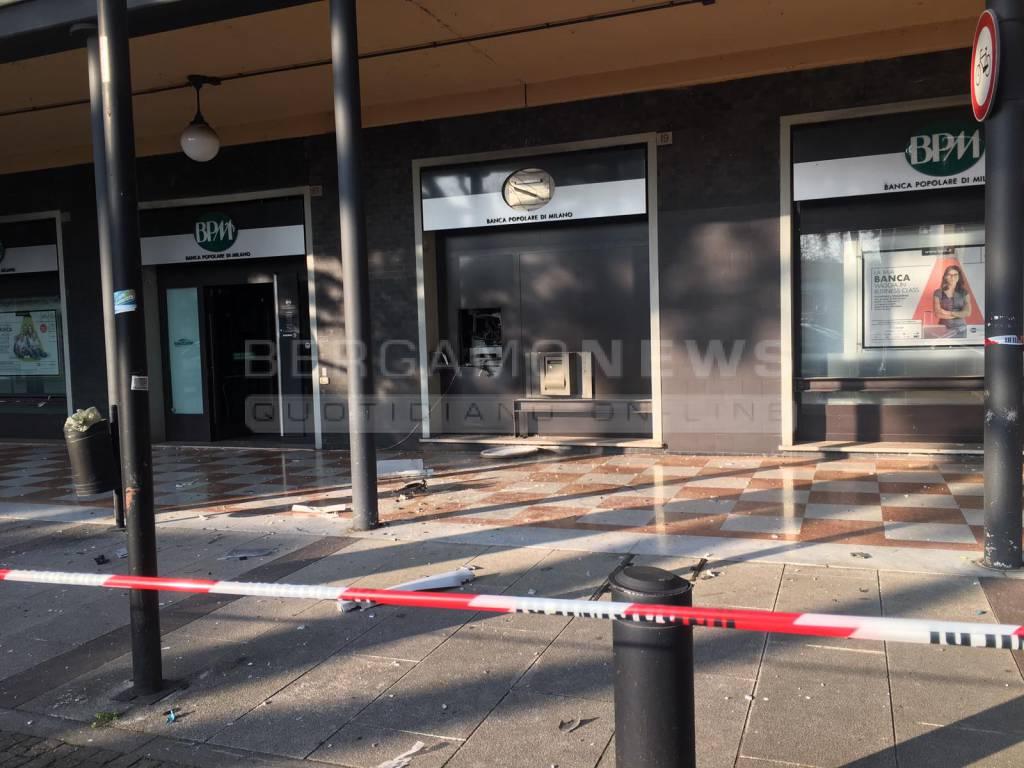 esplosione bancomat a dalmine 631783