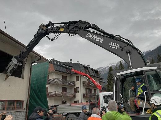 Bezzi escavatore.jpg