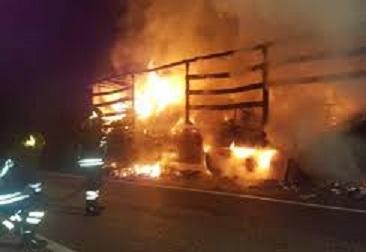 Camion bruciato.jpg