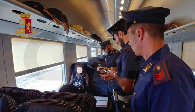 atti osceni sul treno