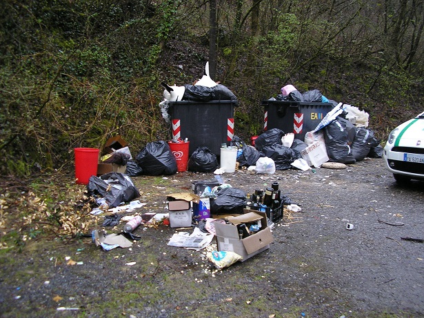da bergamo per disperdere rifiuti