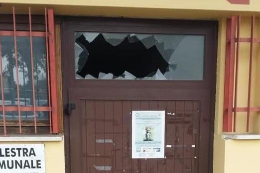 vandali palestra Cortefranca.jpg