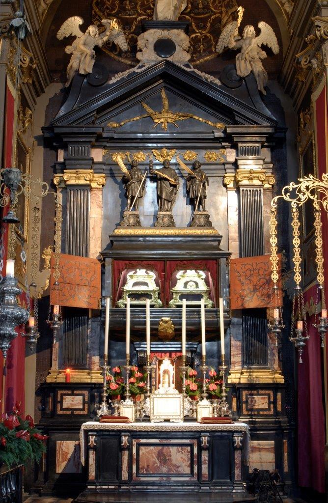 Altare SS Martiri Patroni Basilica Gandino