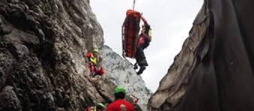 soccorso alpino parete.jpg