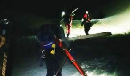 Soccorso alpino neve notte.jpg