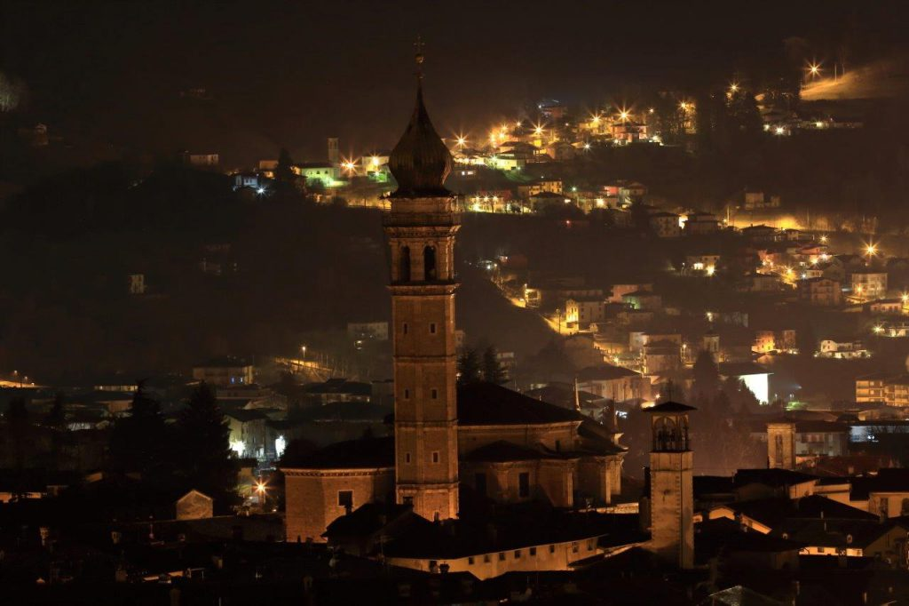 basilica gandino di notte