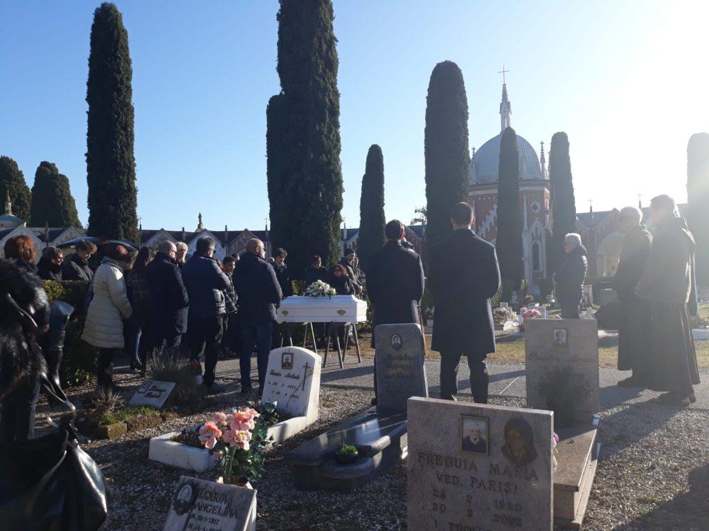 funerali piccolo davide