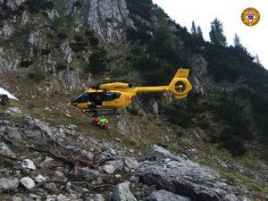 elicottero montagna CNSAS 300x225 1