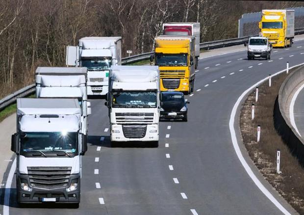 tir mezzi pesanti camion