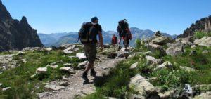 escursionisti in montagna 1140x536 1