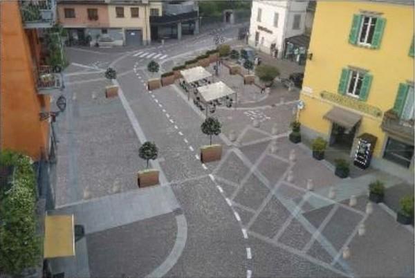 Piazza Garibaldi Esine chiusa