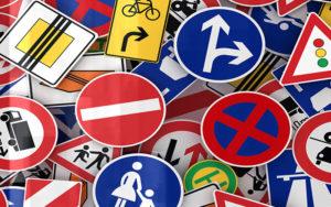 segnaletica strada cartelli