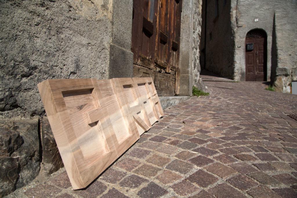 Gurfa legno intagliato 2
